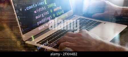 programación escritura de código web en portátiles. concepto de tecnologías de internet empresa front-end desarrollo banner. medios mixtos