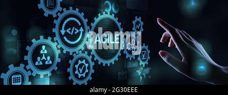 Concepto de metodología de desarrollo ágil en pantalla virtual. Concepto de tecnología.