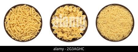 Colección de pasta cruda en un bol aislado sobre fondo blanco. Quisquillí, vermicelli, farfalle. Vista superior, borde