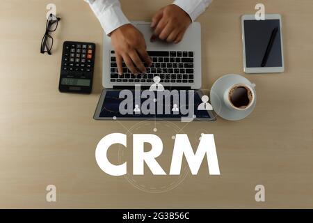 Análisis de la gestión de CRM de clientes empresariales de gestión concepto de servicio