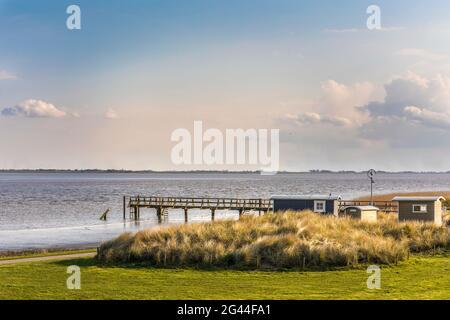 El Eider desemboca en el Mar del Norte en Tönning, Frisia del Norte, Schleswig-Holstein