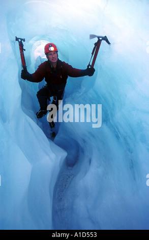Escalada en Hielo glaciar caver cueva pasaje, glaciar Fox, Nueva Zelanda