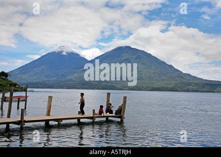 Escenas Painet jj1584 guatemala lago Atitlan embarcadero América Latina América central paisaje water country desarrollo