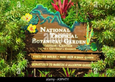 Cartel a la entrada del jardín botánico tropical Nacional cerca de Poipu isla de Kauai Hawaii Foto de stock