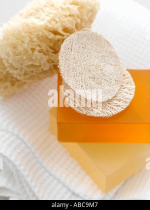 Esponja exfoliante jabones frutales pastillas y toalla waffle - gama alta Hasselblad 61mb de imágenes digitales