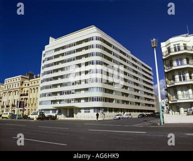Corte de la embajada, Kings Road, Brighton y Hove paseo marítimo. Foto de stock