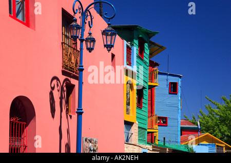 """""""La calle Caminito"""" vista lateral, """"La Boca"""" la ciudad, Buenos Aires, Argentina."""