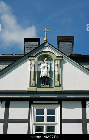 Detalle de la fachada, Saint Mary School, Ferrieres, Renania del Norte-Westfalia, Alemania