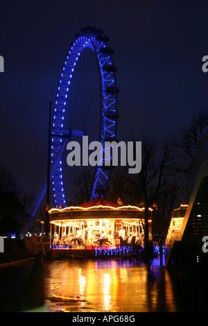 London eye en Night Shot en la orilla sur de noche London Tourist Keywords British Airways, Londres, ojo, en el Foto de stock