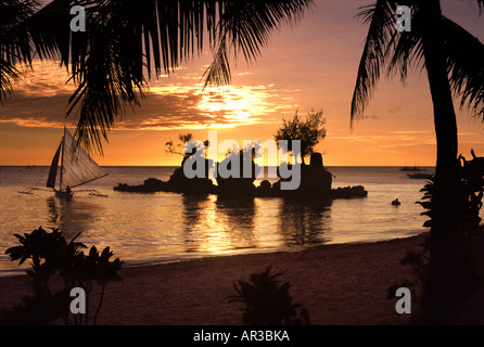 Boracay sunset beach, isla de Boracay, Filipinas Foto de stock