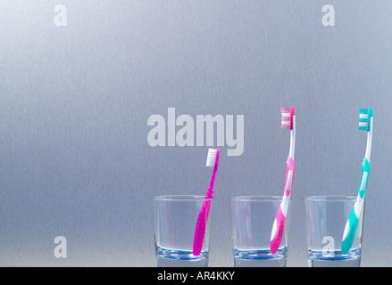 Cepillos de dientes de la familia