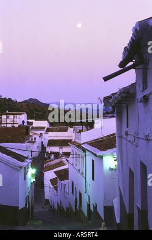 """Ardales, """"Pueblo Blanco"""", cerca de Alora, provincia de Málaga, Andalucía, España"""