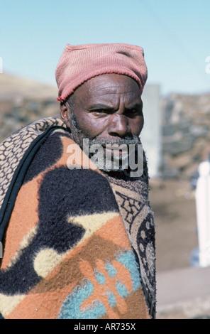 Basotho tribesman en Lesotho, Sudáfrica Foto de stock
