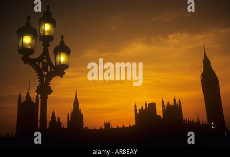Casas del Parlamento Westminster London UK Sunset