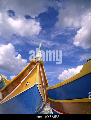 MT - MALTA: las tradicionales barcas de pesca en el puerto de Marsaxlokk