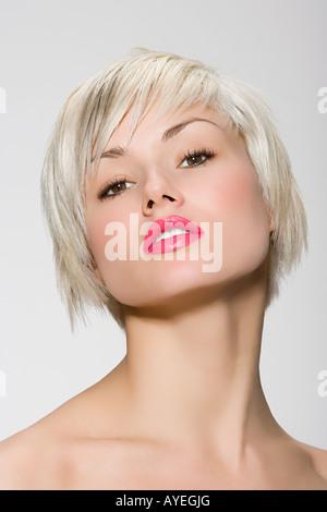 Retrato de una mujer joven Foto de stock