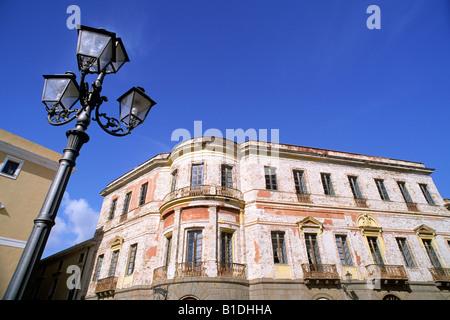 Italia, Cerdeña, Oristano, la plaza Eleonora d'Arborea