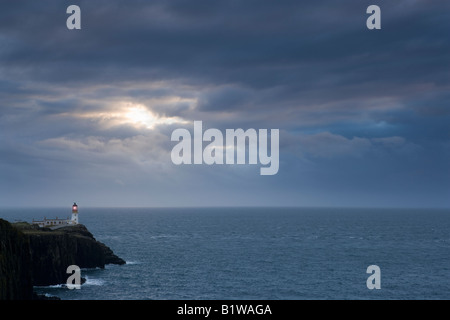 Reino Unido Escocia Isla de Skye Neist Point lighthouse Foto de stock
