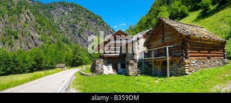 Casa tradicional en piedra y madera - Lavizzara, Vallemaggia, Tesino, Suiza