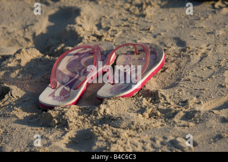 Sandalias en la playa en Dubai