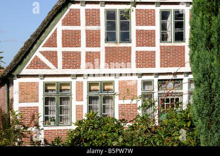 De Niedersachsen Fachwerkhaus Altes Land Deutschland casa con entramados de madera en Baja Sajonia Altes Land Alemania