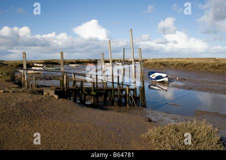 Morston quay en marea baja, al norte de Norfolk.