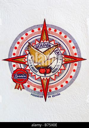 Impreso ephemera / envoltura de cítricos desde España - Golden Eagle ilustración con un pañuelo de papel. Foto de stock