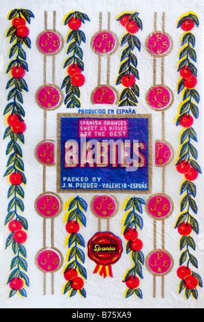 Impreso ephemera / envoltura de cítricos desde España - Bebés ilustración con un pañuelo de papel. Foto de stock
