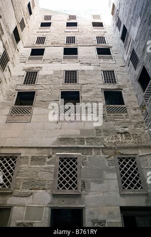 Patio y células de estudiante, madrasa Shafi'i, Sultán Hasan complejo, El Cairo, Egipto