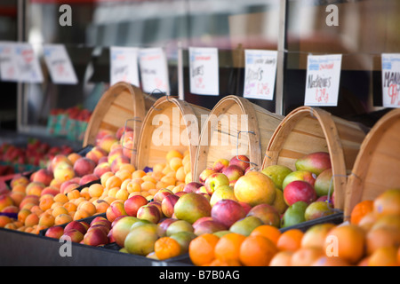 Mercado en Marina District, San Francisco, California, EE.UU.
