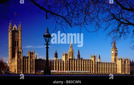 Las Casas del Parlamento, en Westminster, Londres, Inglaterra, Reino Unido.