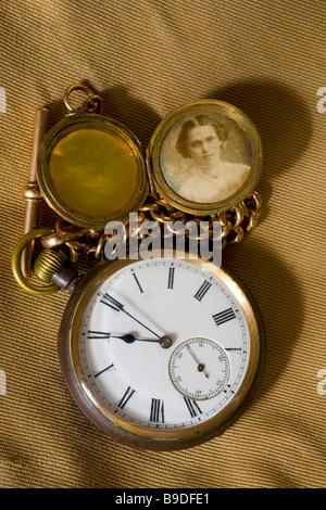 Primera guerra mundial ver propiedad de Albert Robert Eden. Foto de su esposa y dulce corazón Hannah María 11 undécima hora día mes