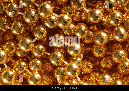 Primer plano de un bolas de oro