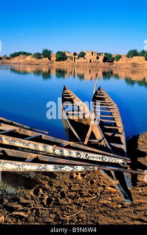 """Malí, región de Mopti, Djenne, clasificado como Patrimonio Mundial por la UNESCO, """"pinasse"""" (embarcación tradicional) Foto de stock"""