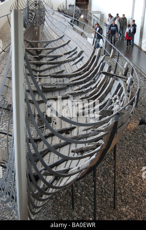 Skuldelev 1 en el Museo de Barcos Vikingos