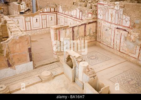 Dentro De La Antigua Casa En Ruinas Habitaciones Y Pasillos