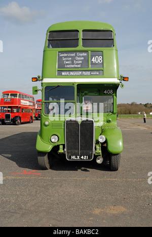 Vista frontal de HLX 421 1948 AEC Regent III Transporte de Londres Londres País RT 604 nuevos en julio de 1948 con el Organismo no 1853 el bus