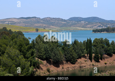 Lago Embalse del Conde de Guadalteba, cerca de Ardales provincia de Málaga Andalucía España