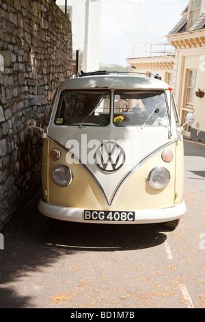 Pantalla dividida Volkswagen camper van Salcombe Devon, Inglaterra