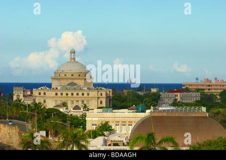 Vista de El Capitolo el capitolio en el Viejo San Juan, Puerto Rico