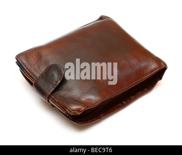 Monedero de cuero marrón antiguo aislado en blanco