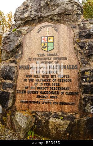 Monumento a McIan MacDonald de Glencoe village, Argyll, Escocia