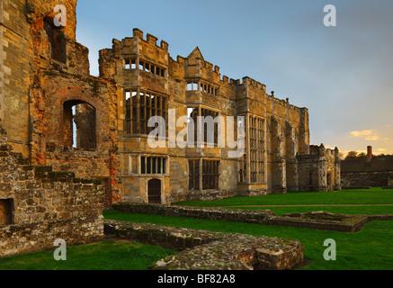Cowdray ruinas. Midhurst, Sussex, Inglaterra, Reino Unido.