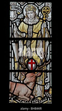 Una vidriera representando Saint Hubert, San Gregorio iglesia Minster, Kirkdale, North Yorkshire Foto de stock