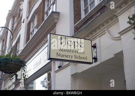 Espero guardería Montessori, Marylebone Lane, Londres, Reino Unido, Europa