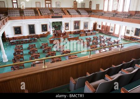 Senado y balcón en el edificio del capitolio del estado de Texas o el capitolio en Austin