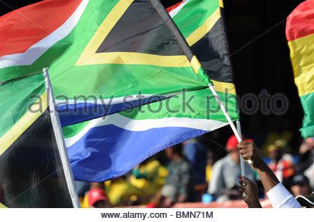 Pretoria Sudáfrica 13-6-2010: La Copa del Mundo de fútbol banderas sudafricanas. Foto de stock