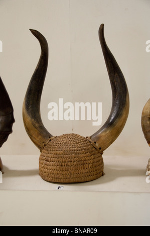 África, Ghana, Accra. Museo Nacional, uno de los mejores museos en el África subsahariana. Sombrero tradicional ceremonial