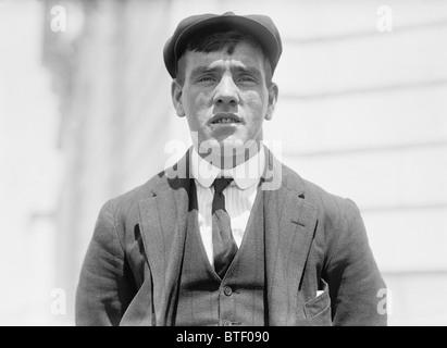 Vintage foto c 1912 de sobreviviente del Titanic Frederick Fleet - el mirador que detectó el iceberg que hundió el buque en abril de 1912.