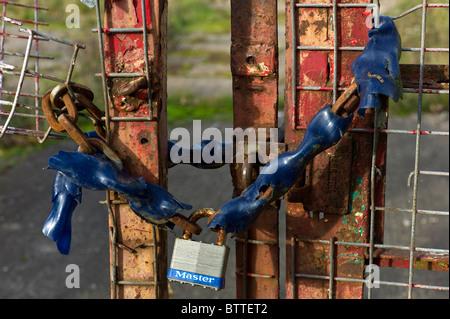 Encadenados una puerta de entrada a la wasteland sitio de una empresa en quiebra en la recesión